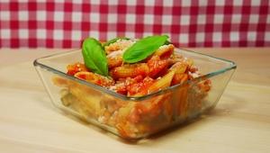 Těstoviny na 4 různé způsoby, které připravíte na 1 plechu!