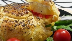 Recept na sýr v křupavém zajetí listového těsta!
