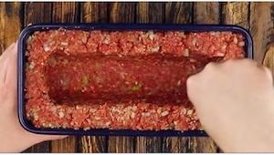 Už vás nebaví klasické karbanátky? Mleté maso můžete připravit i originálnějším